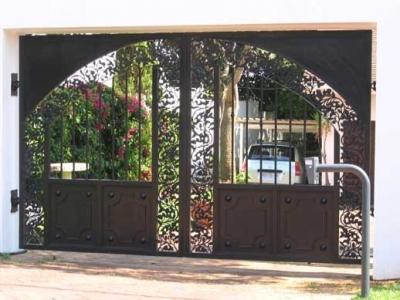 Swing driveway gates 015