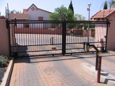 Sliding driveway gates 023