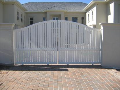 Sliding driveway gates 038