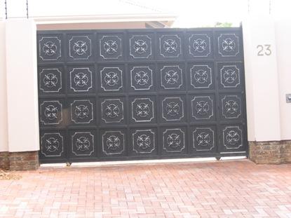Sliding driveway gates 043