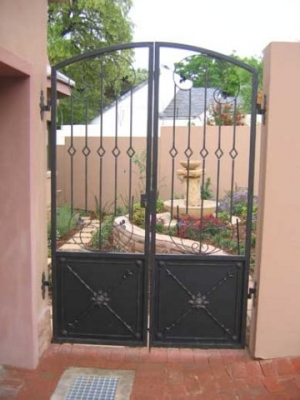 Security gates 026