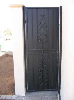 Security gates 072