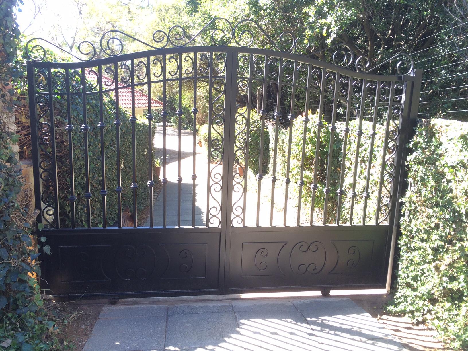 Sliding driveway gates 002