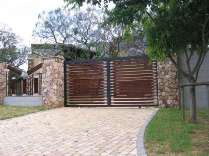 Sliding driveway gates 046