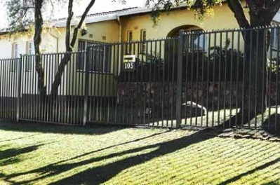 Palisade and steel fencing 004