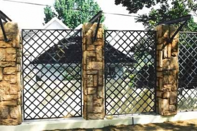 Palisade and steel fencing 005