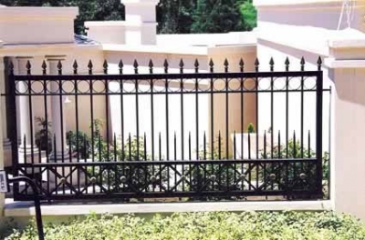 Palisade and steel fencing 006