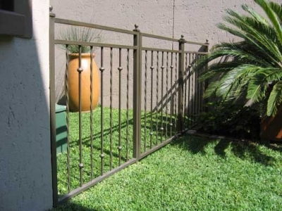 Palisade and steel fencing 009