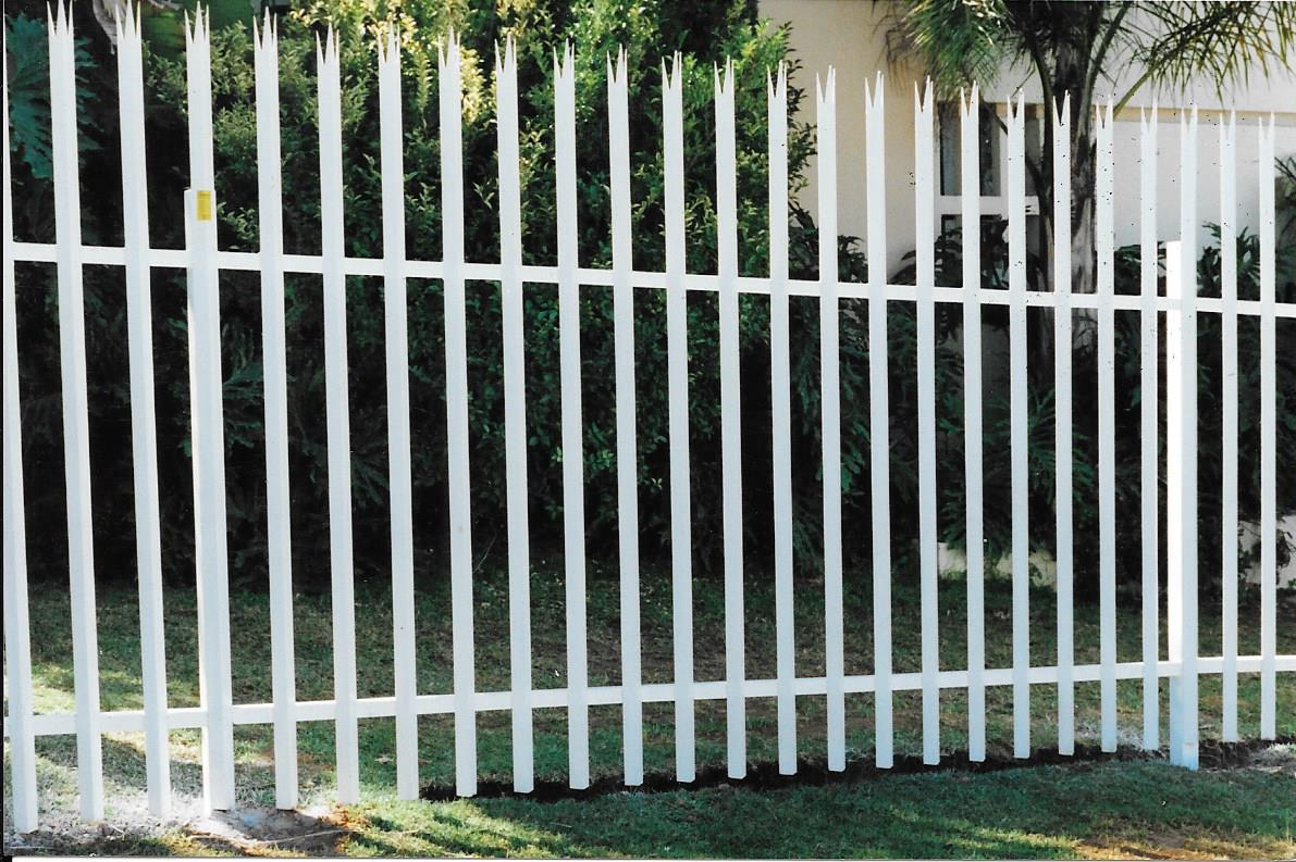Palisade and steel fencing 025