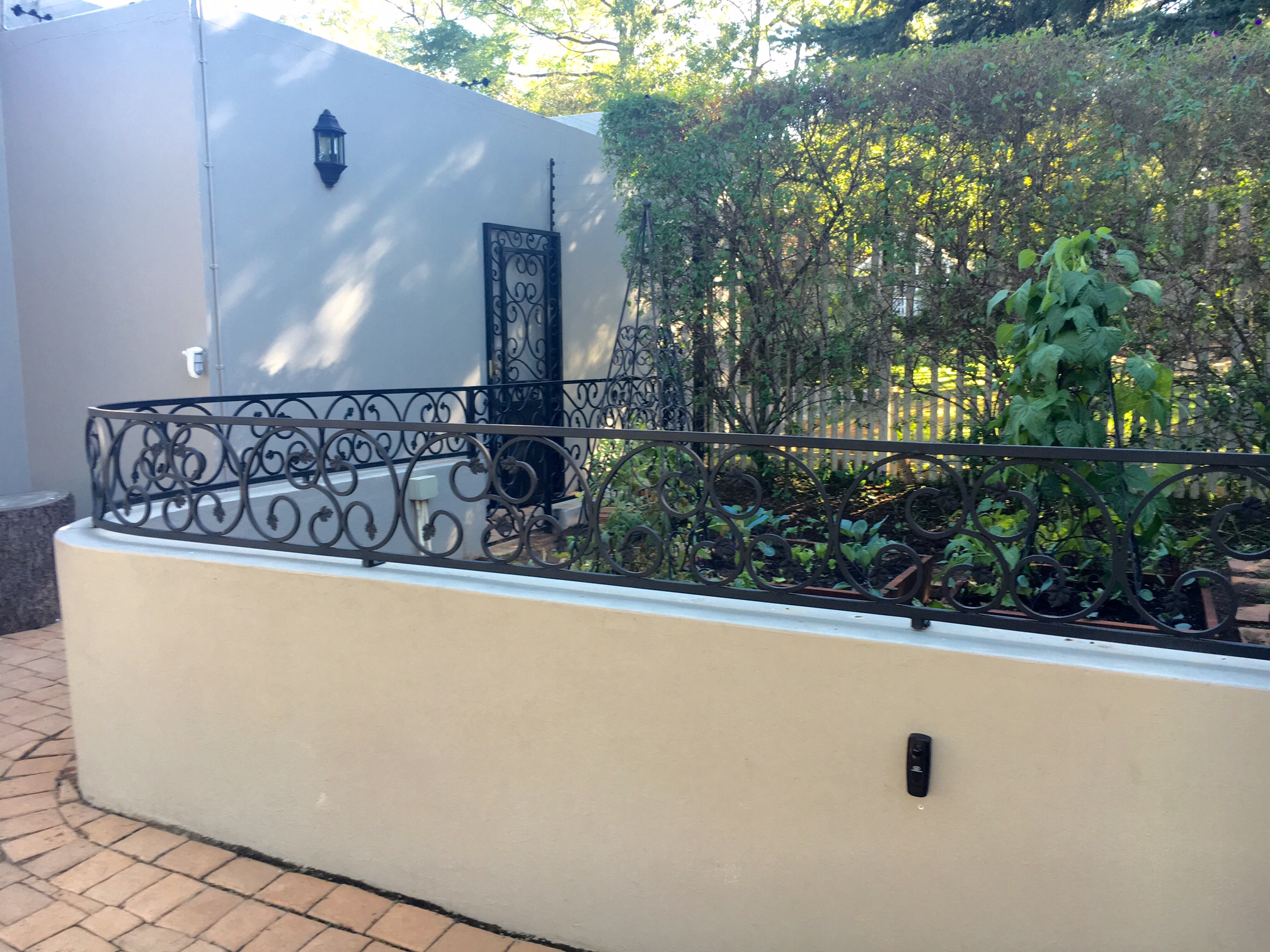 Palisade and steel fencing 027