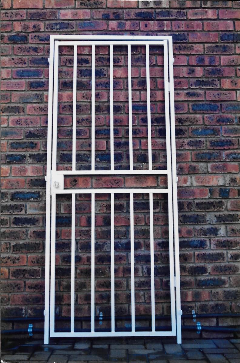Security gates 012