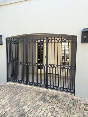 Security gates 092